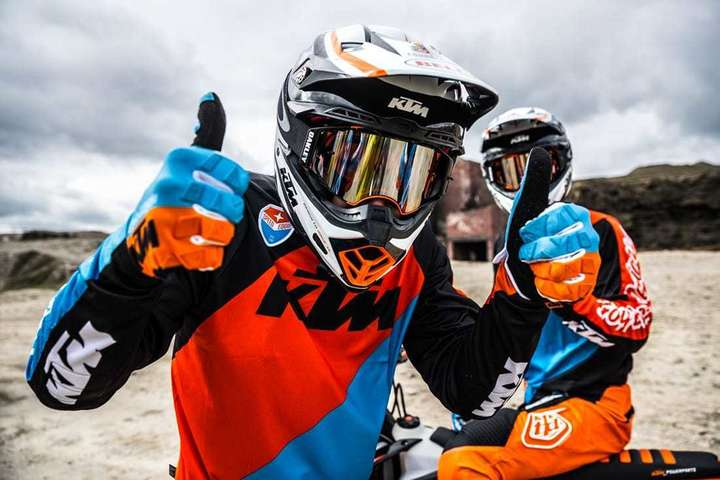 Thumbs up KTM riders