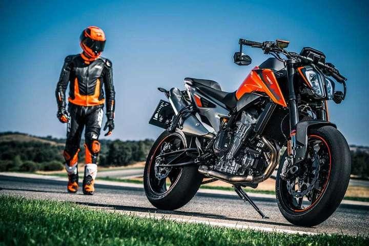 KTM Duke and rider